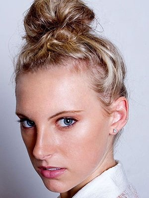 messy-top-knot